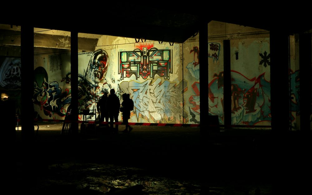 "<i class=""ba ba-camera frb_icon"" style=""color: rgb(255, 255, 255);""></i> Graffiti Secret Spot"