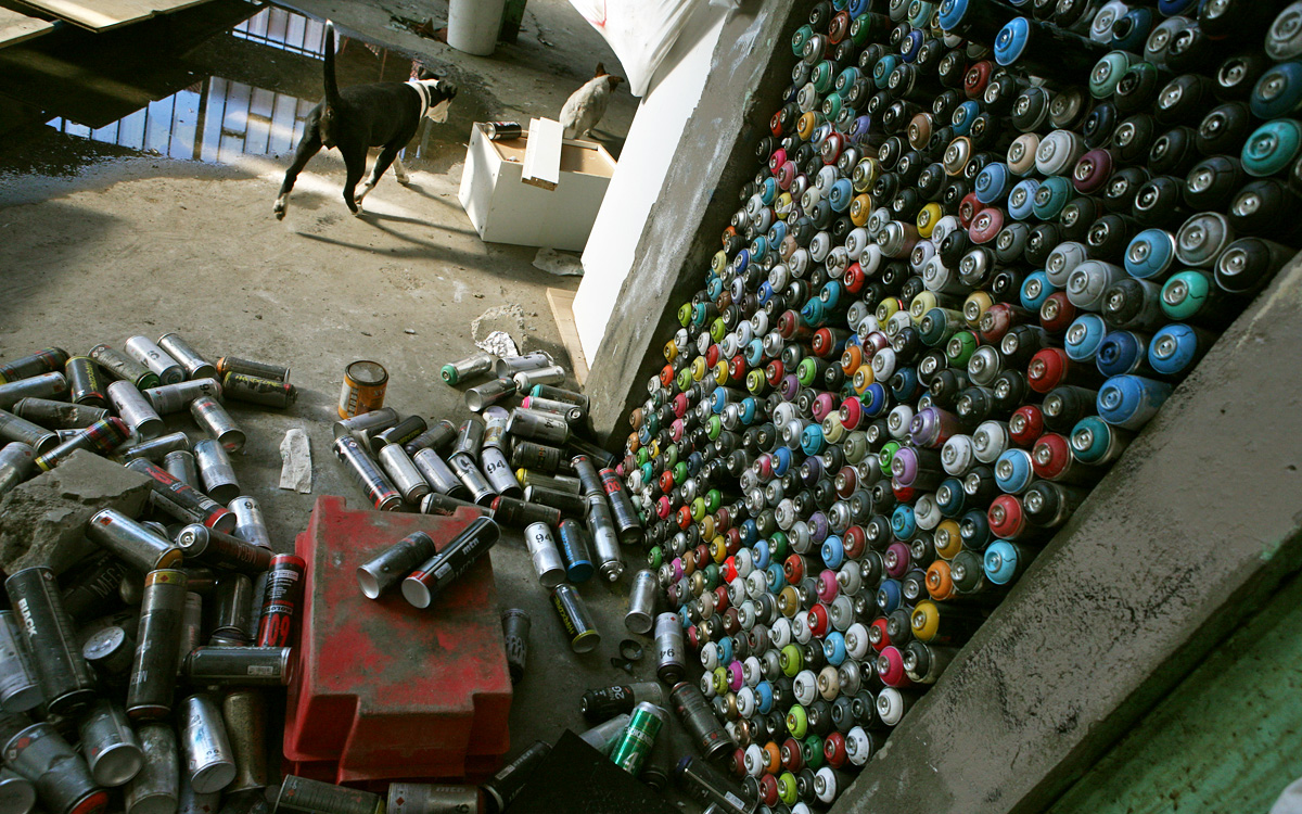 Error-415-Dogs-and-Cans