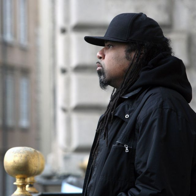 . > RAKAA IRISCIENCE (Dilated People) > Year : 2013 > Event : Street Day - l'Original festival > Location : balcon de l'Hôtel de Ville > Town : Lyon France  @therealrakaa #rakaa #Iriscience #RakaaIriscience #DilatedPeople #loriginalfestival #hiphopphotography #hiphopphotographer #rapconscient #undergroundhiphop #hiphopunderground #rapunderground #undergroundrap #consciousrap #consciousrapper #hiphopdocumentary #hiphoparchives #hiphoparchive #hiphophead #realhiphophead #realhiphop